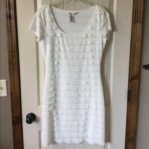 NWOT Max Studio cream dress
